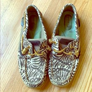 Jungle/animal print A13 Sperry
